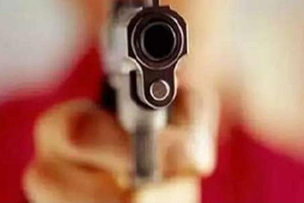 महाराष्ट्र: भाजपा पार्षद के घर में घुसकर दो बेटे समेत 5 की हत्या, 3 गिरफ्तार