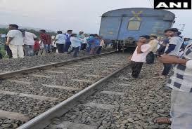 ओडिशाः विशाखा एक्सप्रेस के आठ डिब्बे हुए अलग, कोई हताहत नहीं
