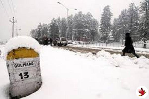 कश्मीर के गुलमर्ग, पहलगाम में ताजा बर्फबारी
