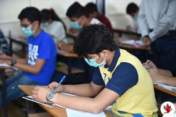 कोरोना इफैक्ट: हरियाणा मे 10वीं और 12वीं बोर्ड की परीक्षाएं 31 मार्च तक स्थगित