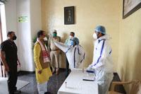 मुख्यमंत्री श्री चौहान की इंदौर एयरपोर्ट पर हुई कोरोना संबंधी स्क्रीनिंग