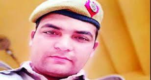 अज्ञात वाहन ने दिल्ली पुलिस के सिपाही को मारी टक्कर, मौत