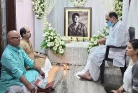 सुशांत सिंह के निधन के बाद परिवार ने दी अंतिम विदाई