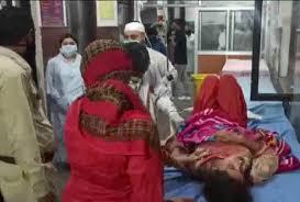 पाकिस्तानी सेना ने युवती पर दागीं गोलियां