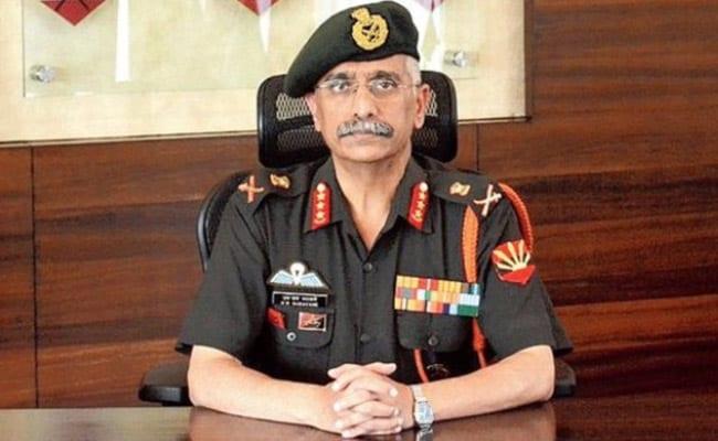 एलएसी के दौरे से लौटे सेना प्रमुख नरवणे
