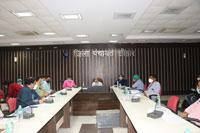 क्षेत्रीय संचालक स्वास्थ्य सेवाएं तथा संयुक्त संचालक महिला एवं बाल विकास विभाग ने ली समीक्षा बैठक