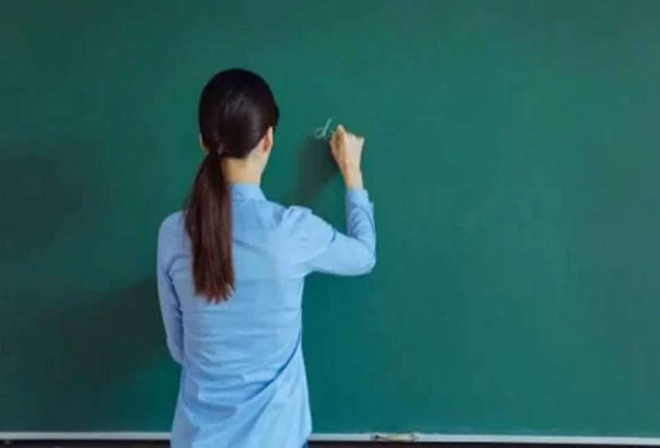 સંચાલક અને આચાર્ય સામે કાર્યવાહી કરવાની જિલ્લા શિક્ષણાધિકારી ચીમકી