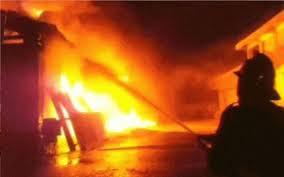 मास्क बनाने वाली फैक्टरीमें लगी आग