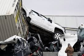 अमेरिका: टेक्सास में सड़क पर टकराईं 100 गाड़ियां