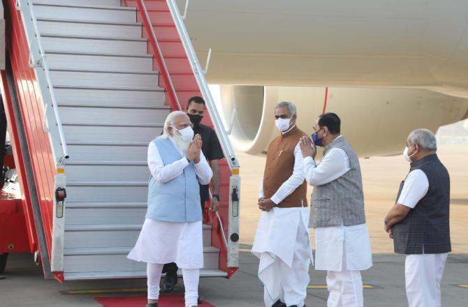 અમદાવાદ પહોંચ્યા PM મોદી