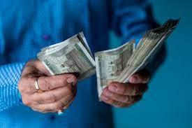वित्त वर्ष में अपनाएं अमीरों की ये आदतें