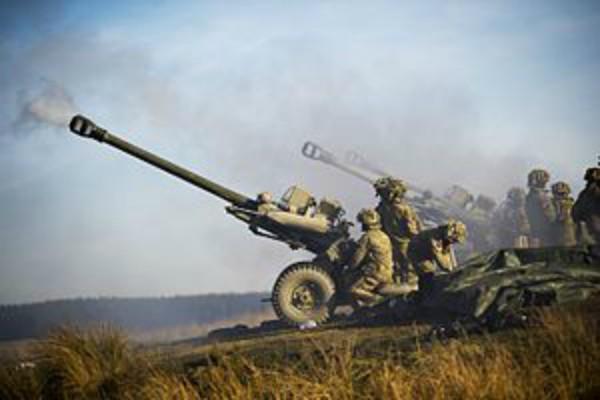सेना को 'टैंक, गोला-बारूद व पैराशूट' की सप्लाई हो सकती है बाधित