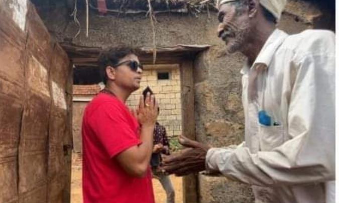 ગુજરાતી હાસ્ય કલાકાર ખજુરભાઈ ગીરગઢડાનાં સોનારીયા ગામના ત્રણ પરિવારોને મકાન બનાવી આપશે