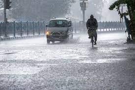 दिल्ली: 24 घंटे की बारिश